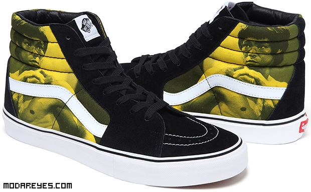 zapatillas deportivas de color amarillo
