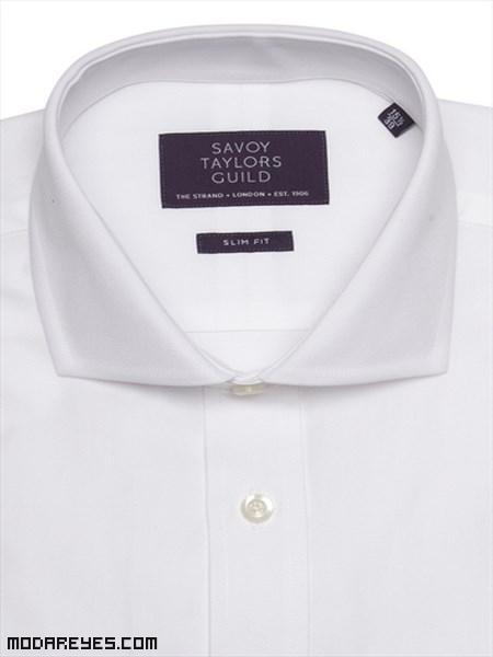 Cuellos de camisas blancas