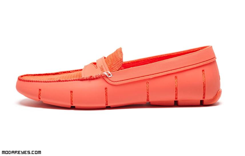 zapatos juveniles en colores