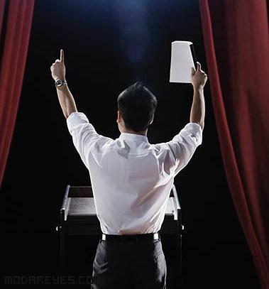 Pronunciar un discurso