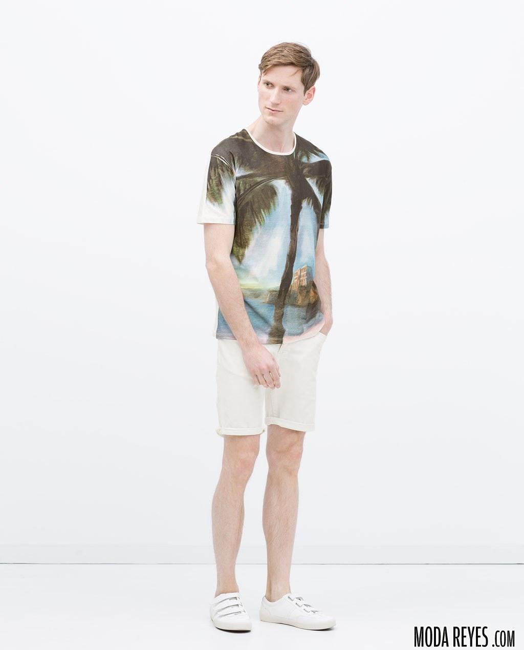 camiseta de zara con palmeras