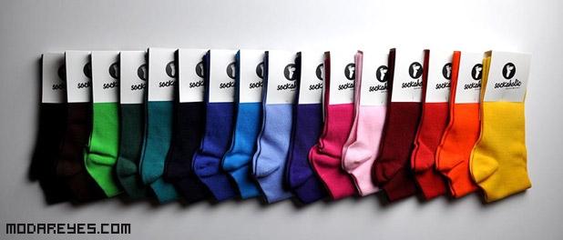 calcetines de colores llamativos
