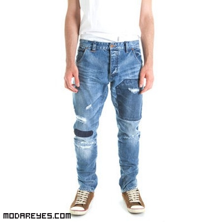 jeans con tachuelas